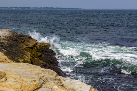 Oeans waves splashing against rocks in Beavertail Banco de Imagens