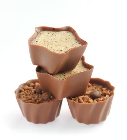 cafe bombon: conjunto de chocolates aislados en un fondo blanco Foto de archivo