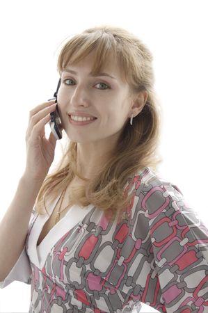 ragazza parlando di un telefono cellulare