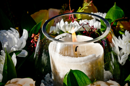 a close up shot of candles for funeral Standard-Bild