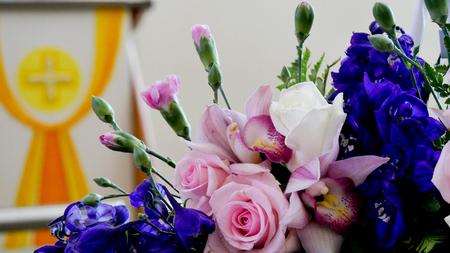 장례식에 사용 된 꽃 & 양초의 쐈어.
