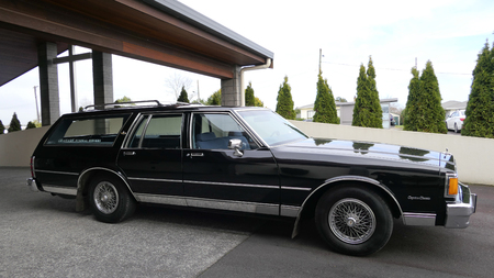 Shot of a hearse for funeral service 에디토리얼