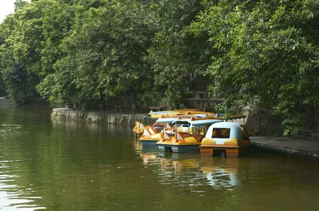 Recreation ships