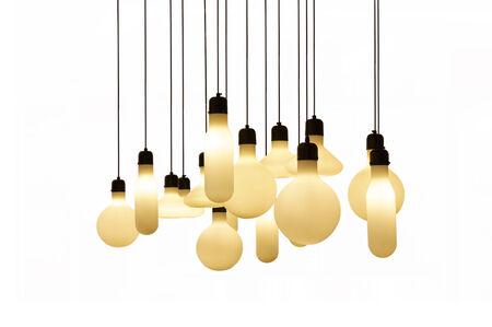 Opknoping lampjes op witte achtergrond