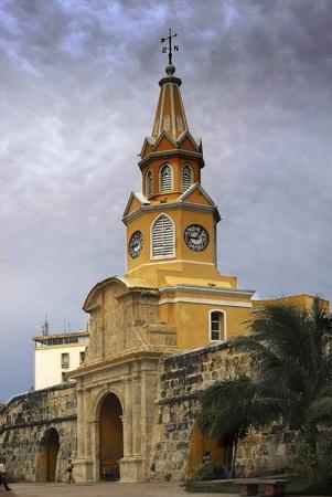 fondo azul: clock tower cartagena de indias, colombia Stock Photo