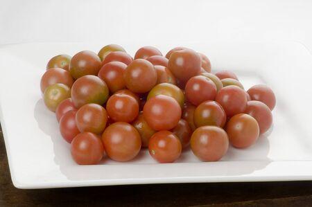 bigne: cherry tomatoes