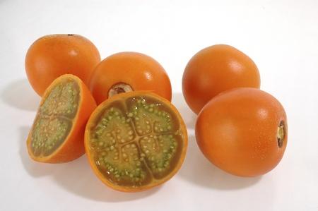 Lulu fruta, rebanadas