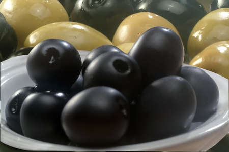 Black and green olives Stock Photo - 13686863