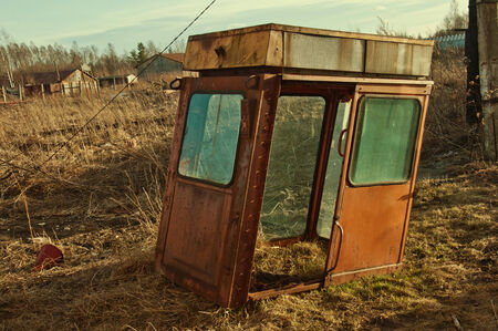 abandoned trailer in the countryside