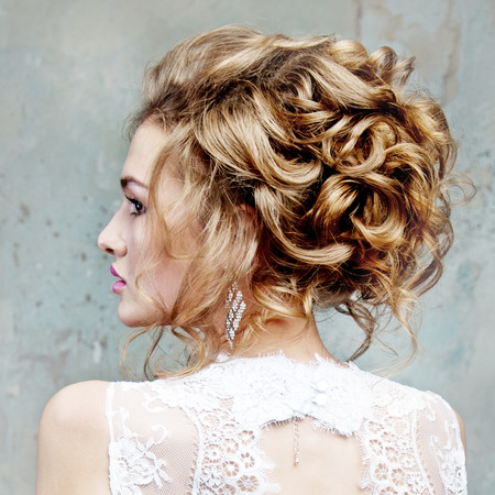 girl with beautiful hair in profile Banque d'images