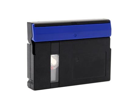 videocassette: Cintas de v�deo est�ndar MiniDV aislado en un fondo blanco