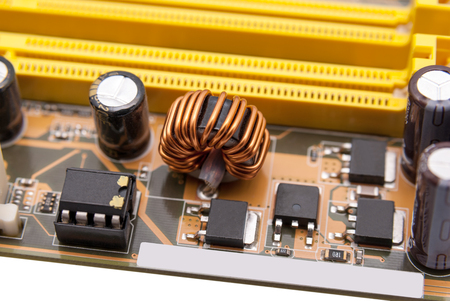 Multiphase power system modern memory on the motherboard