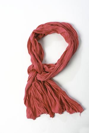 白地に青い繊維スカーフをツイスト 写真素材