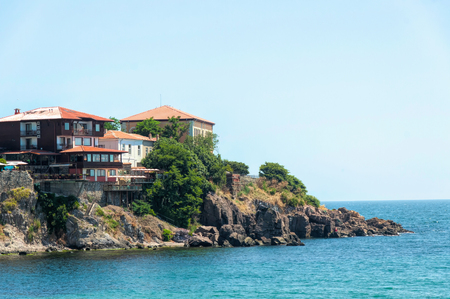 Skamni Cape and Black Sea shore in Sozopol (Burgas, Bulgaria) at sunny summer midday Banque d'images