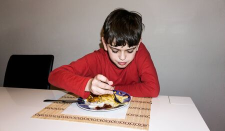 autistic: eating autistic  boy health nutrition