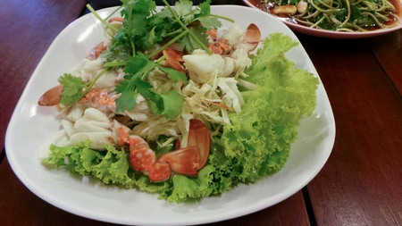 Steamed crab meat with chilli sauce.