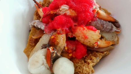 Crayfish mixed seafood noodle.