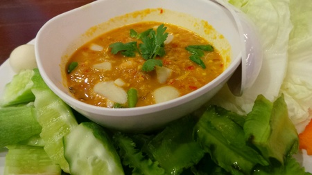 Crab meat and egg chilli sauce dip with vegetable.