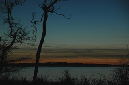 Spotting the planet Mercury is rare, here it is seen quite in the middle of the picture just after sunset.