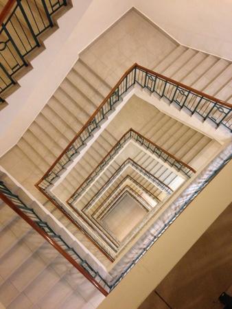 nunca: Una escalera de caracol de nunca acabar