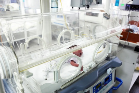 Newborn baby inside incubator Stock Photo - 12271924