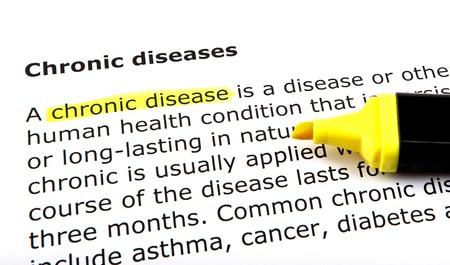 feltételek: Krónikus betegség - kiemelt szöveg a filctollat. Stock fotó