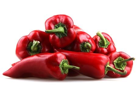 pepe nero: Peperoncino rosso su sfondo bianco. Archivio Fotografico