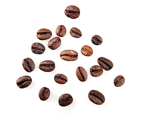 Coffee Beans Isolated On White Foto de archivo - 112370779