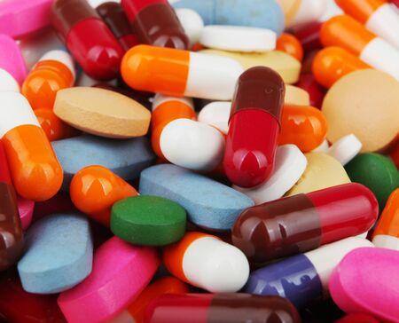 Pillen in vielen Formen zusammen gruppiert