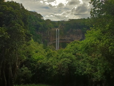 chamarel waterfall on mauritius island