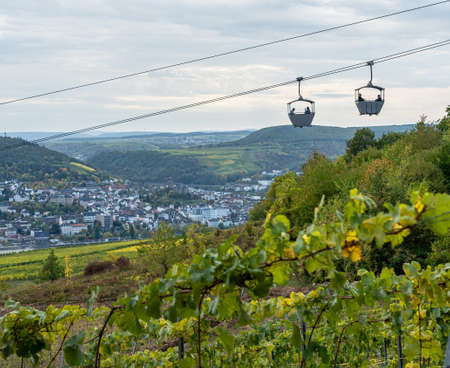 view on Cable car to Niederwald Monument rhine during fall in ruedesheim, middle rhine valley, germany Standard-Bild