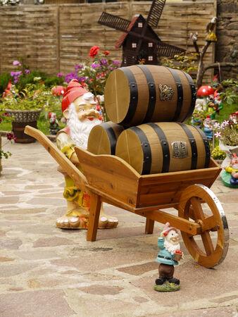 wheel barrel: Gnome with wheelbarrow