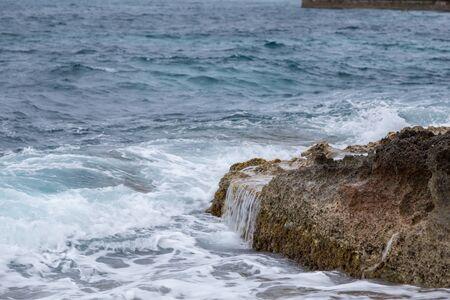 mare agitato: Mare agitato, Mellieha Archivio Fotografico