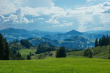 Wanderausflug in Gais, eine Stadt in den Schweizer Alpen Standard-Bild - 84333952