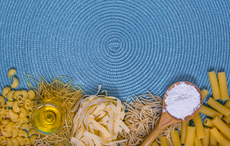 pennie: mixed pasta, dried pasta, pasta selection, pasta top view, Raw pasta, various pasta, blue background