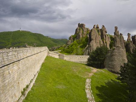 현상: Bulgarian wonders - a beautiful view - phenomenon of Belogradchik rocks