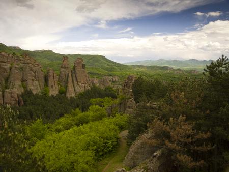 현상: 불가리아어 불가사의 - 아름다운 전망 - Belogradchik 바위의 현상