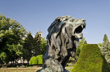 staunch: Statue of a lion  in city center of Ruse, Bulgaria Stock Photo
