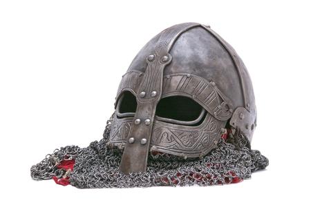 흰색 배경에 고립 된 바이킹 헬멧