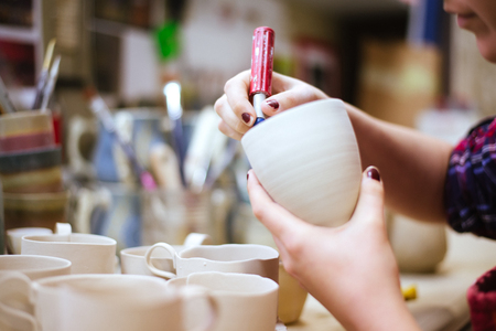 30 34 years: Pottery artist cutting edges