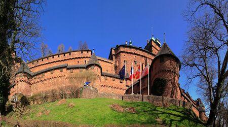 haut: France, Alsace, haut Koenigsbourg castle