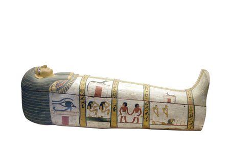 Sarkophag isoliert auf wei�em Hintergrund