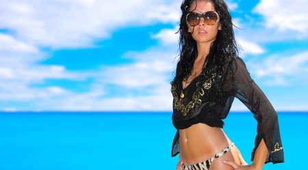 beach babe: Una giovane donna bella spiaggia in Grecia