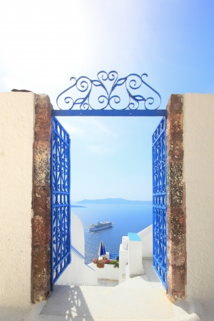 Gate to the sea - Santorini island Stock Photo - 15509895