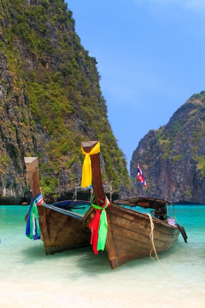 longtail: Beautiful bay of Koh Phi Phi island with long tailed boat  Thailand