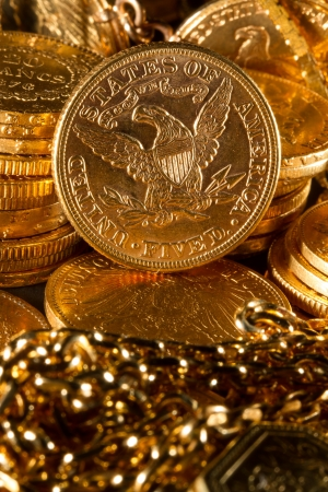 five dollars: Five Dollars gold coins USD