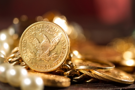 tresure: Five Dollars gold coins USD