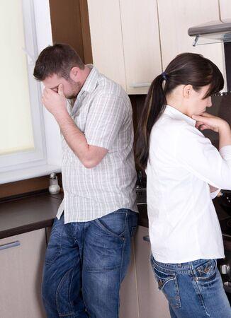 argument: arrabbiato con problemi di coppia in cucina Archivio Fotografico