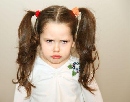 personne en colere: Petite fille boulevers�e