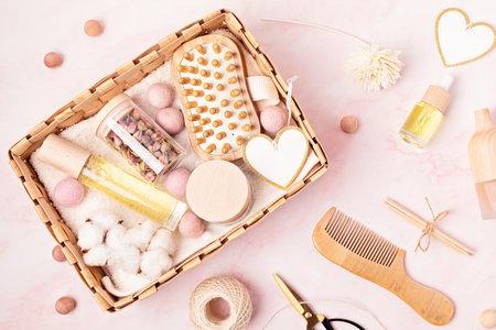 准备自我护理包装,季节礼盒,无塑料零废物化妆品产品